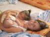 Dojčenie dvoch detičiek naraz sa nazýva tandemové dojčenie