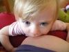 Pohľad dojčiaceho sa dieťatka - nepochybne, dojčenie je viac než len pitie materského mlieka