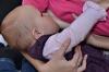 ... dojčenie je vzťah medzi mamičkou a dieťatkom