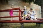 Tandemové dojčenie je dojčenie dvoch rozdielne starých súrodencov