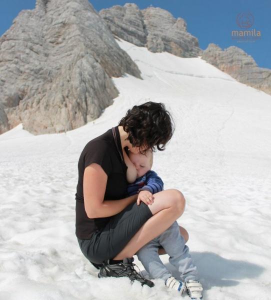 Dojčenie je neoddeliteľnou súčasťou našich výletov. Aj na horách v snehu
