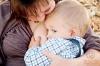 Na fotografii je tehotná matka: aj v tomto období dojčenie pre dieťa veľa znamená
