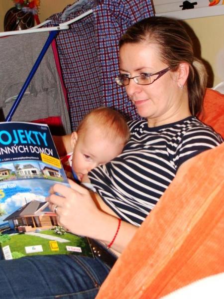 Všetko spolu - aj dojčiť aj čítať